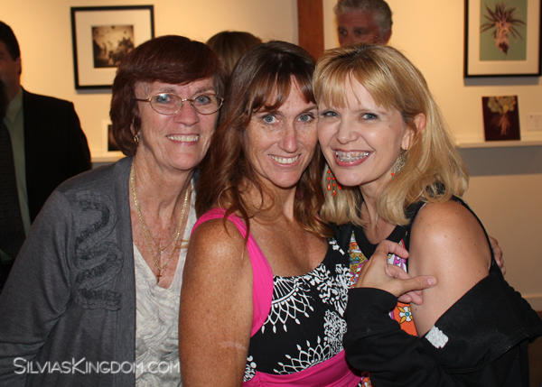 With my BFF Kelly and her mom Dianna, who came to the event from Arizona. <3